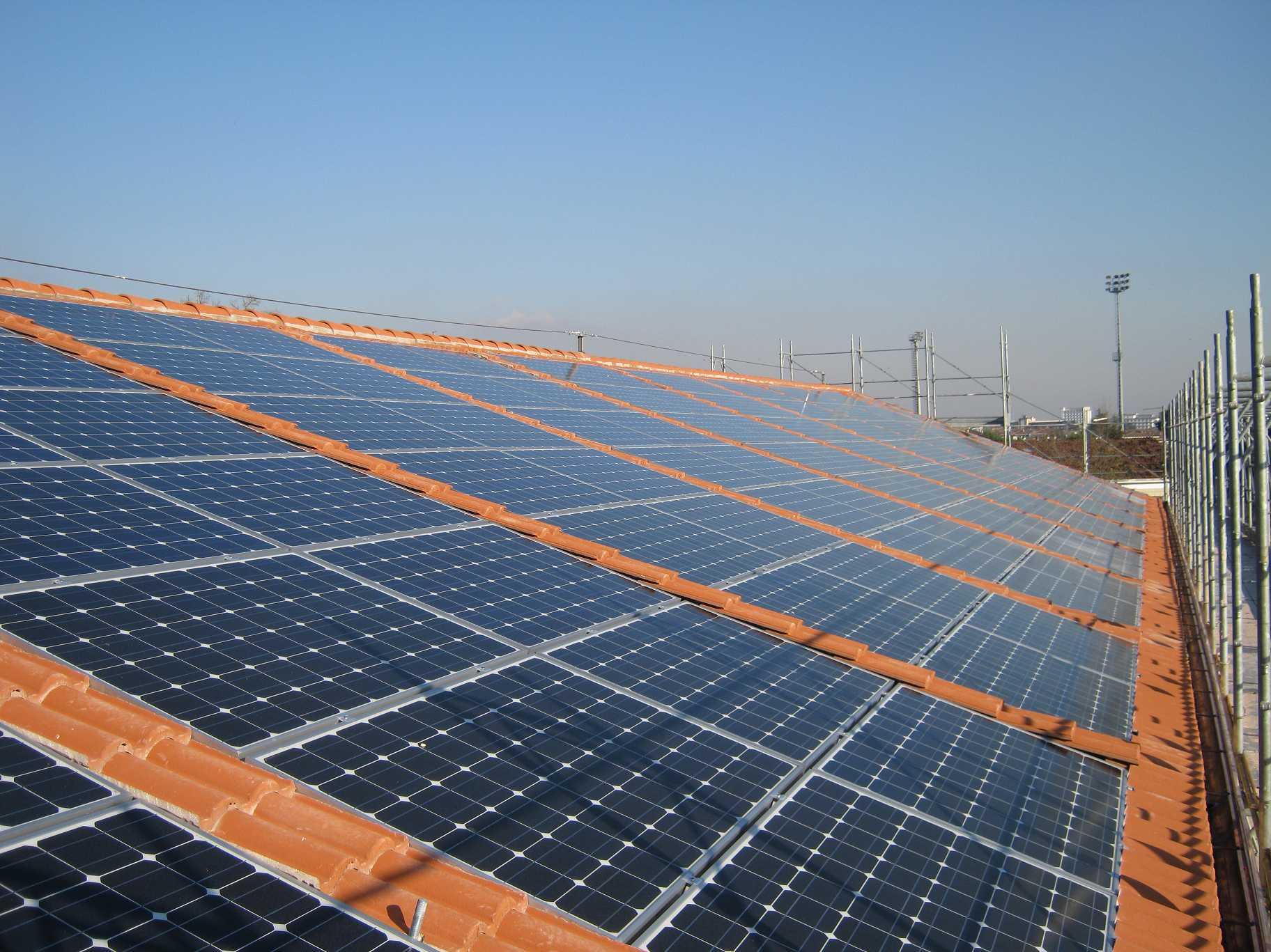 Tetto e pannelli fotovoltaici for Pannelli solari immagini